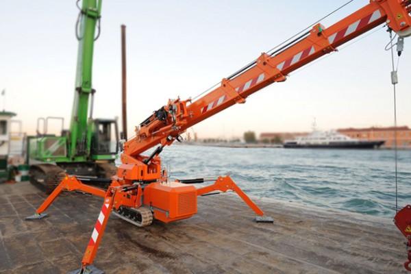jekko-mini-crane98AB3C75-CC34-0CC0-898C-F1A76C367159.jpg